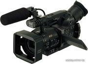 Продам профессиональную видеокамеру Panasonic